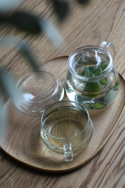 Kinto tea set with mint.